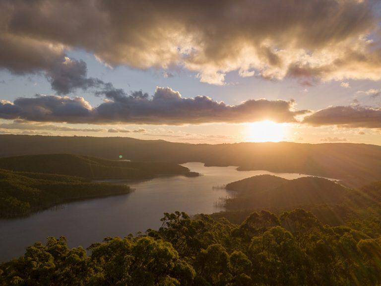 Cómo hacer vídeo con drones de paisajes, de noche y con un extra de creatividad